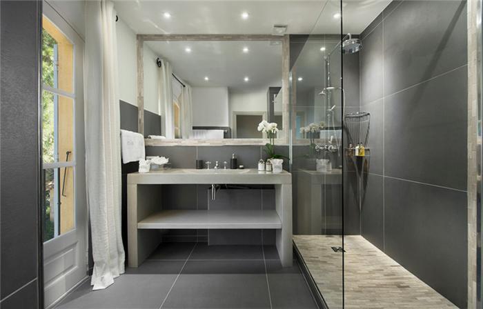 Gạch ốp nhà tắm - gạch mosaic thủy tinh